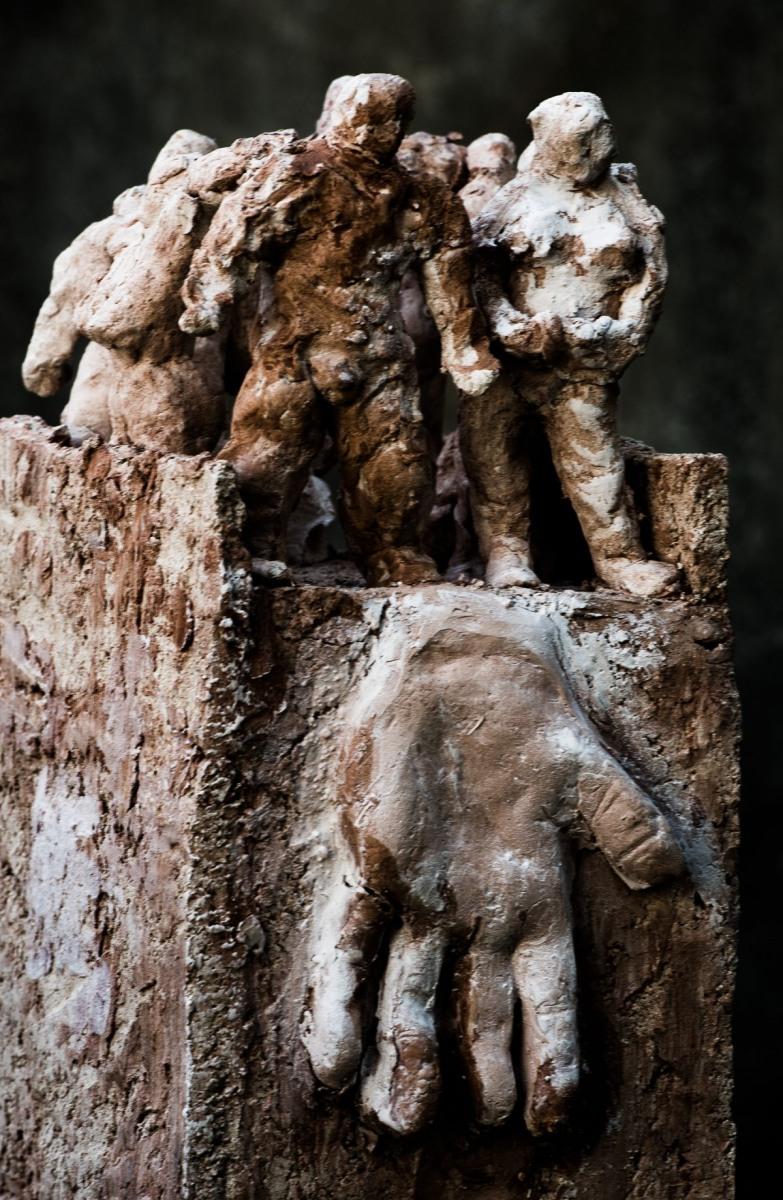 Jutta Peikert - bildhauerische Keramik - Heimat? - 2013 - Foto: Wolfgang Schmidt